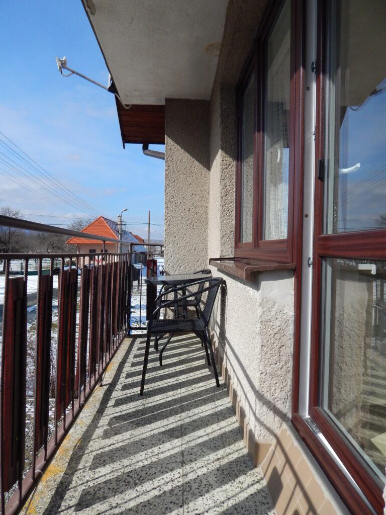 Trojlôžková izba balkón