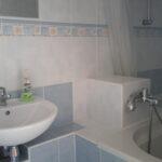 Trojlôžková izba s prístelkou kúpeľňa